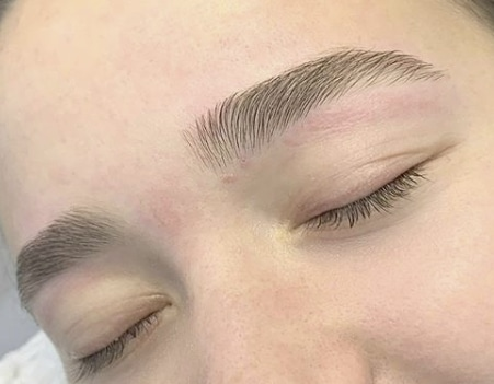 Professional eyebrow waxing and tinting