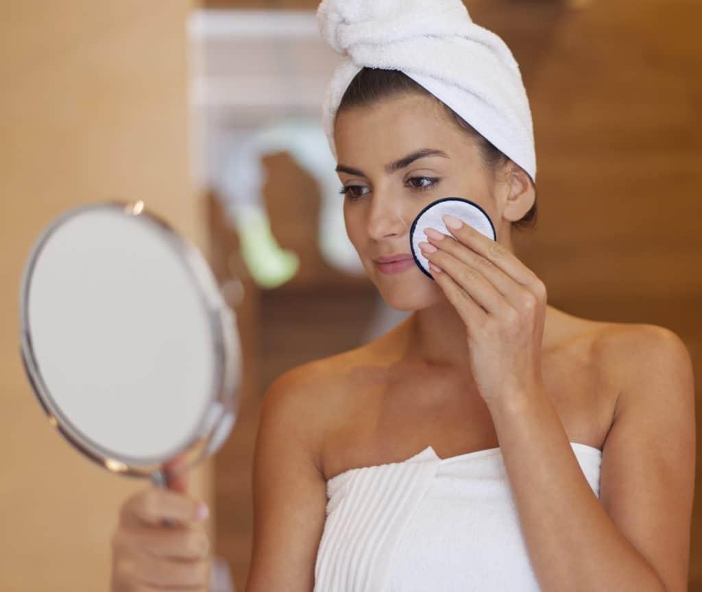 The Brow Fixx Organic Makeup Remover Pad